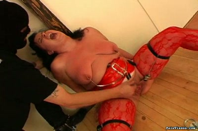 Fat pussy abuse  fatty melinda gets her pussy pinched and flogged. Fatty Melinda gets her cunt pinched and flogged